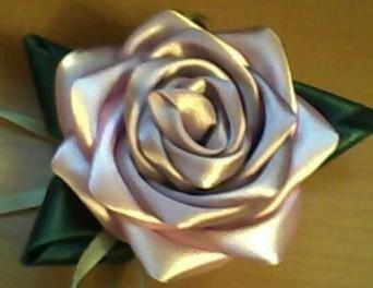 Метки: рукоделие мастер-класс канзаши цветы цветы из атласных лент цветы из лент лепесток канзаши.